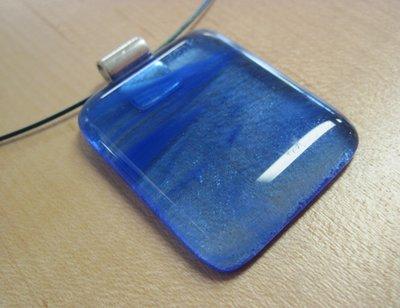 Hanger transparant blauw