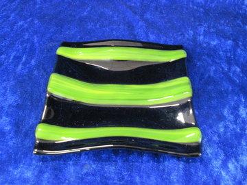 schotel zwart met groen gestreept