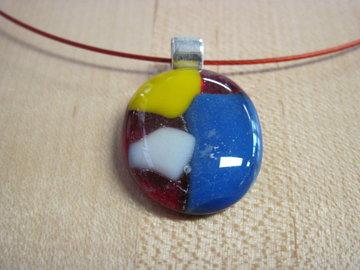 Hanger rood,geel,blauw en wit glas