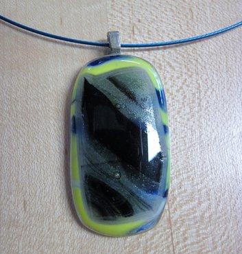 Hanger geel blauw en zwart glas