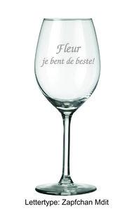Wijnglas met 2 regels tekst