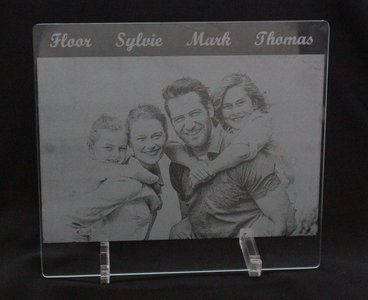 Lasergraveren van foto op glas of spiegel